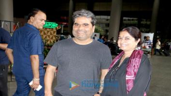 Sushant Singh Rajput, Kriti Sanon, Diana Penty and Farhan Akhtar snapped at the airport