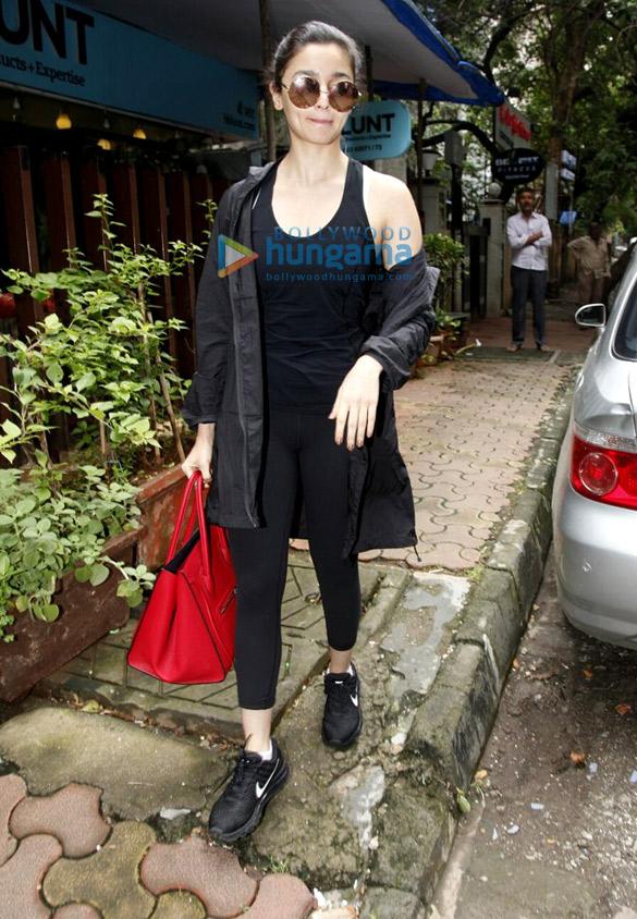 Alia Bhatt snapped a post salon session at B'blunt