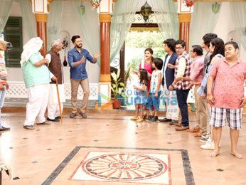 Riteish Deshmukh snapped promoting 'Bank Chor' on the sets of Chidiya Ghar