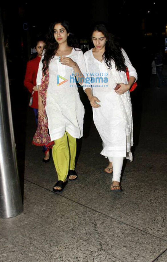 Sara Ali Khan, Jahnavi Kapoor and Sushant Singh Rajput snapped at the airport