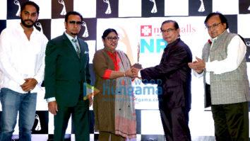 Zeenat Aman, Gulshan Grover, at NRI Achievers Award at The Club