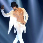 Check out Tiger Shroff showcases some killer dance moves at the Michael Jackson tribute show-1
