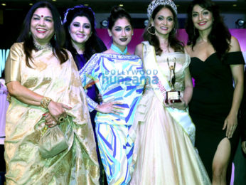 Ganesh Acharya, Archana Kochhar, Sandhya Shetty, Ankita Bhargav, Ishita Dutta, Piaa Bajpai, Alesia Raut and others at the finale of 'Mrs Bharat Icon 2017' at Sahara Star
