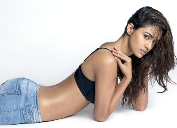OMG! Disha Patani Looks Sizzling HOT In Her Latest Photo