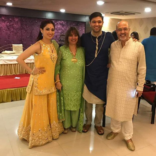 WOW! Tamannaah Bhatia looks gorgeous at her brother's wedding-2