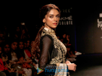 Aditi Rao Hydari walks for Jayanti Reddy at Lakme Fashion Week 2017