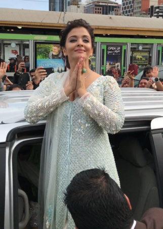 Aishwarya-Rai-Bachchan-becomes-first-2