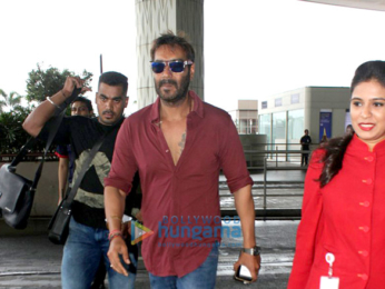 Ajay Devgn, Esha Gupta, Ileana D'Cruz and others snapped at the airport