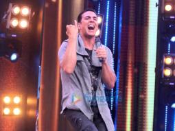 Akshay Kumar promotes 'Toilet – Ek Prem Katha' on Amul Sa Re Ga Ma Pa Li'l Champs