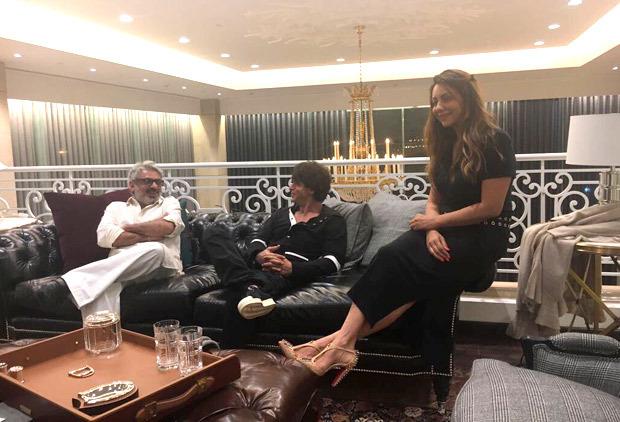 Check Out Sanjay Leela Bhansali Meets Shah Rukh Khan And Gauri Khan At Her  New Store