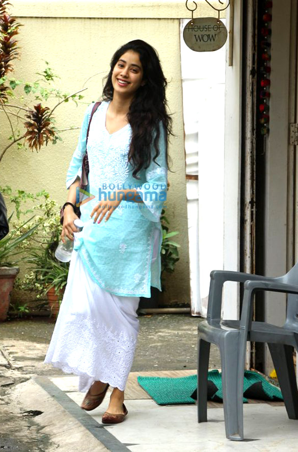 Jahnavi Kapoor snapped post dance rehearsals in Bandra