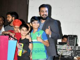Raj Kundra, Amol Gupte with kids promote their movie 'Sniff'