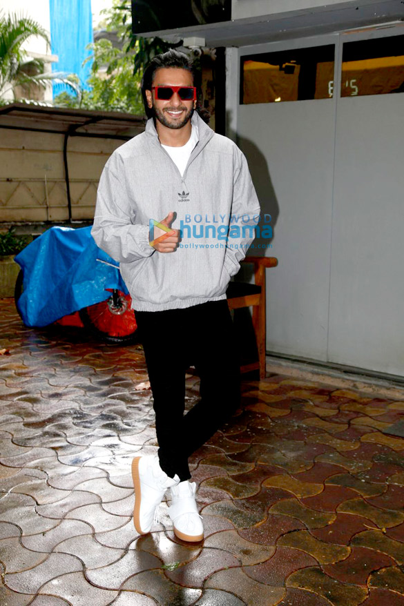 Ranveer Singh snapped post a salon session in Bandra
