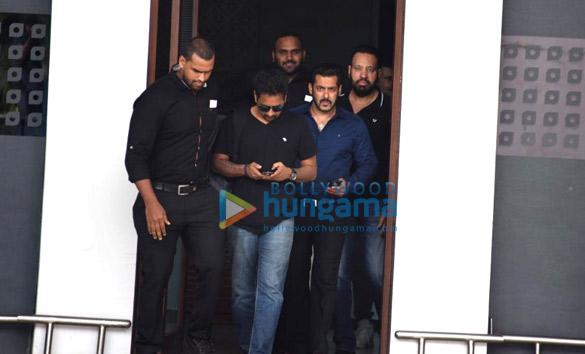 Salman Khan arrives in Mumbai from Jaipur