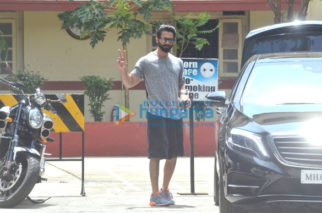 Shahid Kapoor, Sohail Khan, Malaika Arora, Rhea Chakraborty snapped after gym session