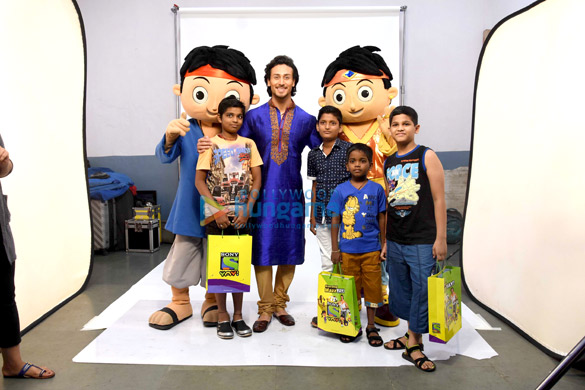 Tiger Shroff snapped with kids shooting for Sony Yay Channel