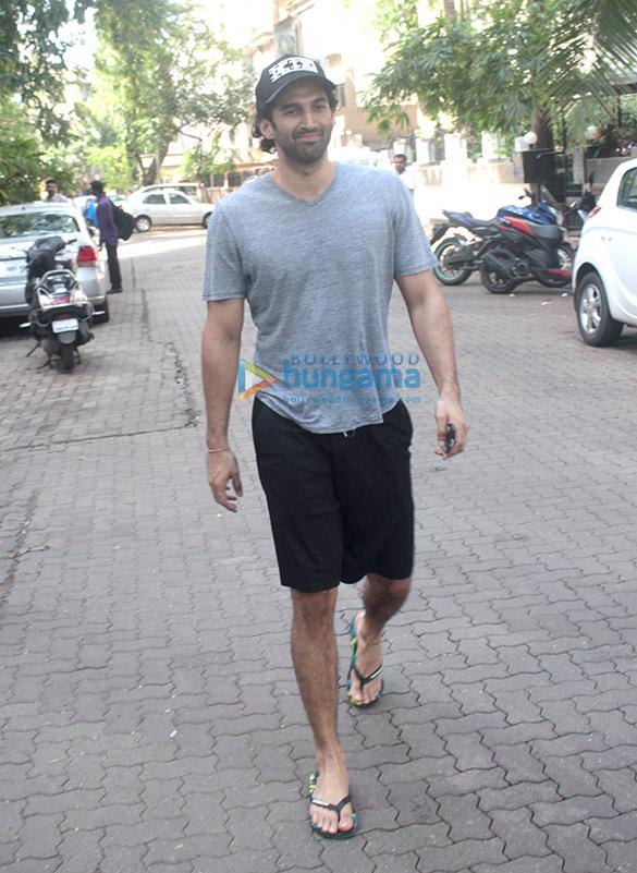 Aditya Roy Kapur spotted at Mohit Suri's office in Bandra