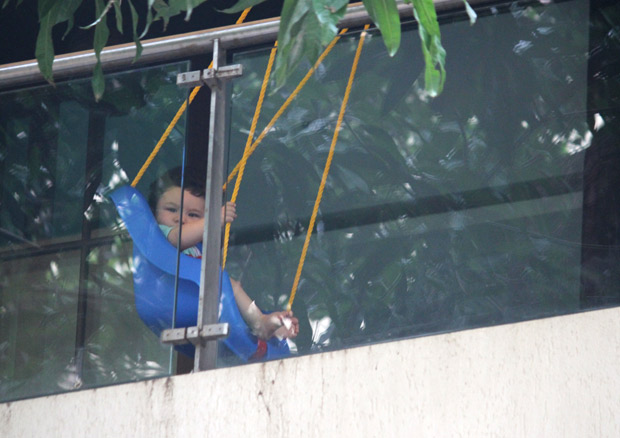 ADORABLE Taimur Ali Khan enjoys his day swinging away in these latest photos! (2)