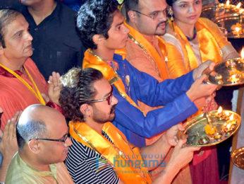 Aamir Khan graces Navratri Pooja in Vadodara
