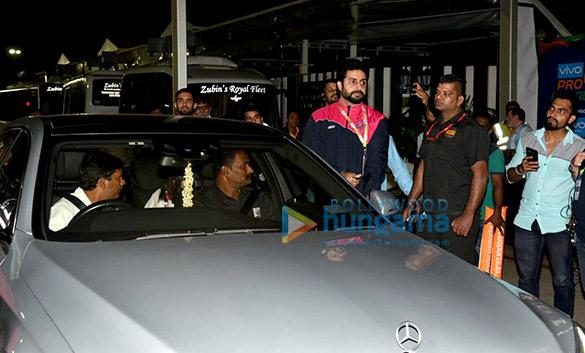 Abhishek Bachchan, Aishwarya Rai Bachchan and Sachin Tendulkar grace a Pro Kabaddi League match