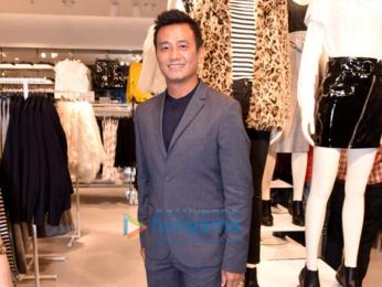 Aditya Roy Kapur, Raima Sen, Bhaichang Bhutia at H&M store launch in Kolkata