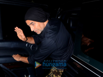 Akshay Kumar and Twinkle Khanna snapped at Juhu PVR