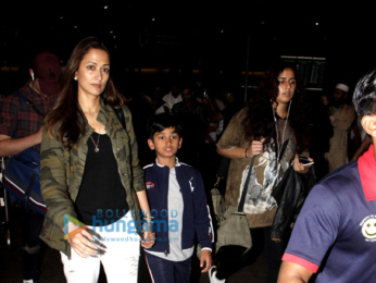 Akshay Kumar & family return from his birthday celebrations abroad