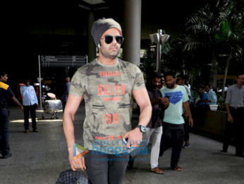 Arjun Kapoor, Evelyn Sharma, Zareen Khan and others snapped at the airport