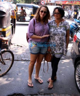Hazel Keech and her mom snapped in Bandra