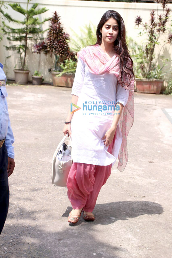 Jahnavi Kapoor snapped after dance rehearsal