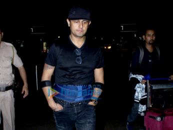 Kangana Ranaut, Hrithik Roshan, Ranveer Singh and Shraddha Kapoor snapped at the airport