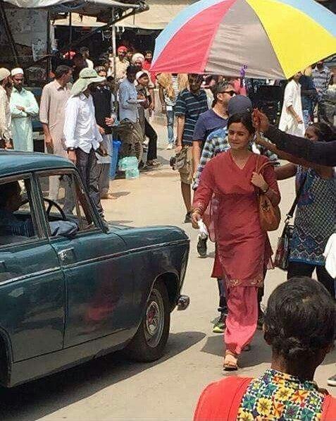 LEAKED Alia Bhatt's de-glam avatar in Meghna Gulzar's Raazi revealed2