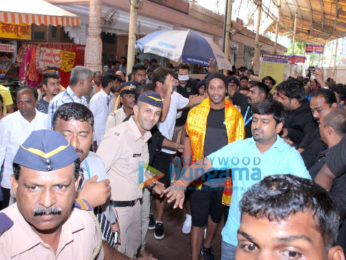 Ronaldinho visit Sidhivinayak temple in Mumbai