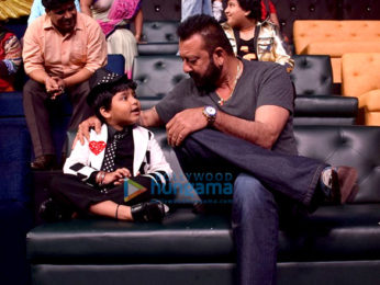 Sanjay Dutt meets the contestants of 'Sa Re Ga Ma Pa L'il Champs'
