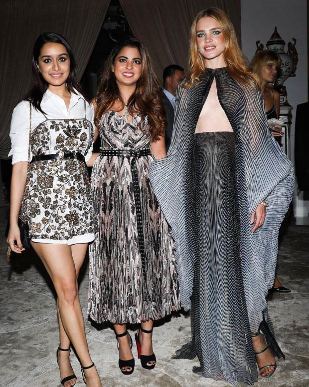 Sonam Kapoor, Anushka Sharma, Karan Johar and Twinkle Khanna grace the special edition of Vogue-4