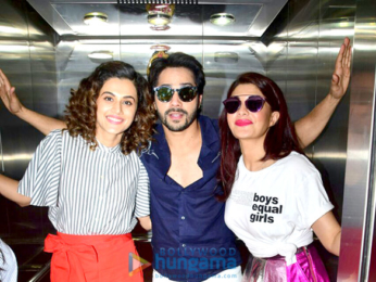 Team of 'Judwa 2' snapped in an elevator