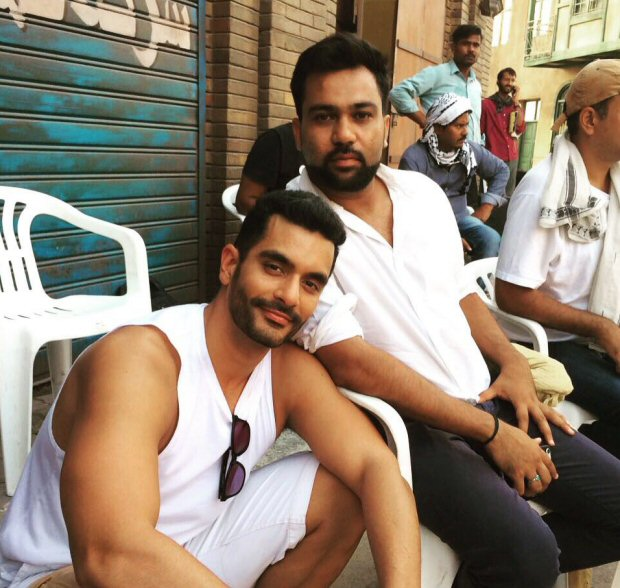 WOW! Angad Bedi cuts a gigantic cake, featuring Salman Khan, after wrapping up shoot for Tiger Zinda Hai2