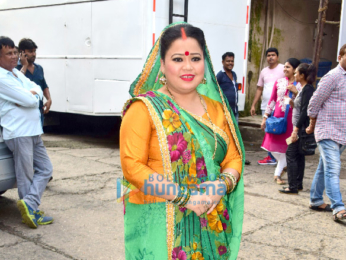 Zareen Khan snapped on the sets of Comedy Dangal