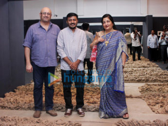 Anuradha Paudwal and others grace the inauguration of Kuldip Karegaonkar's latest exhibition 'Maati'