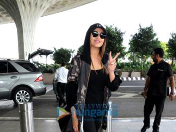 Aamir Khan, Sonakshi Sinha and Zareen Khan snapped at the airport