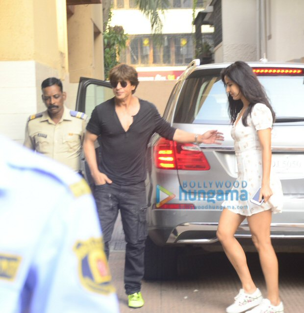 Check out Shah Rukh Khan, Katrina Kaif and Aanand L Rai step out together for lunch