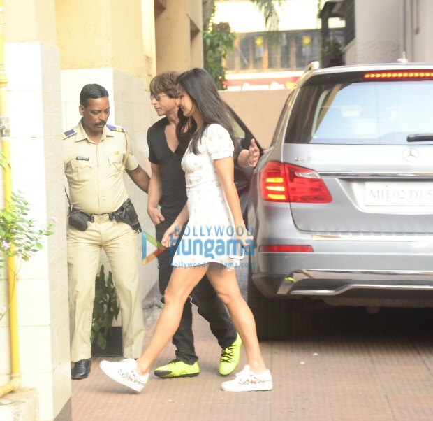 Check out Shah Rukh Khan, Katrina Kaif and Aanand L Rai step out together for lunch3