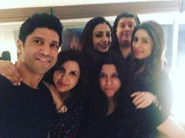 Hrithik Roshan hangs out with Karan Johar, Zoya Akhtar, Farah Khan at Farhan Akhtar's residence -2