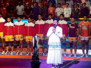 Irrfan Khan sings the National Anthem at 'VIVO Pro Kabaddi Season 5'