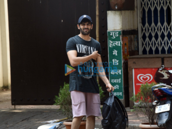 Kartik Aaryan snapped post their gym sessions