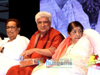 Lata Mangeshkar and Javed Akhtar grace Hridaynath Mangeshkar Awards at Shanmukhanan hall