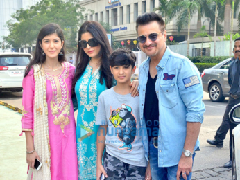 Sanjay Kapoor snapped with family for lunch