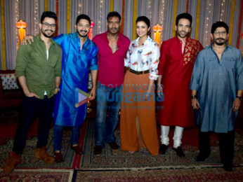 Team of 'Golmaal Again' do a Diwali shoot
