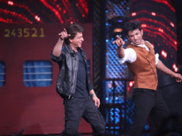 WOW! Shah Rukh Khan and Sushant Singh Rajput set the stage ablaze dancing to 'Chhaiya Chhaiya'