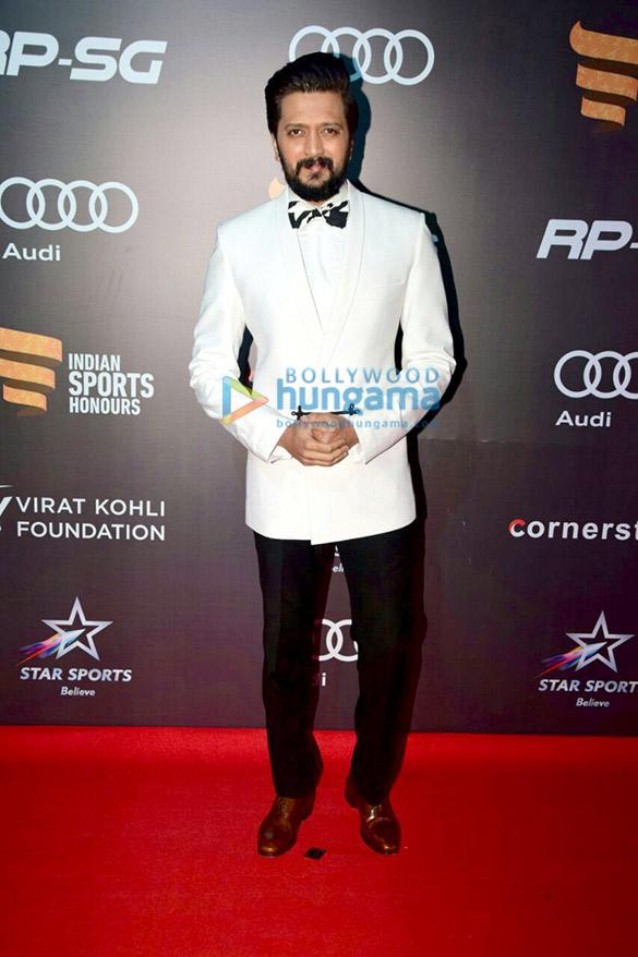 Aamir Khan, Anushka Sharma and Virat Kohli grace the Indian Sports Honours 2017 awards